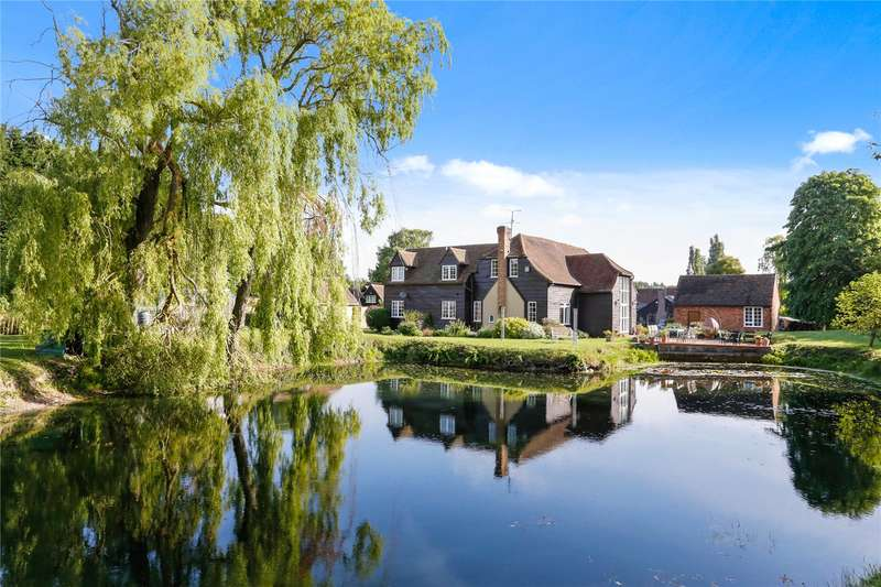5 Bedrooms Detached House for sale in Drayton Beauchamp, Aylesbury, HP22