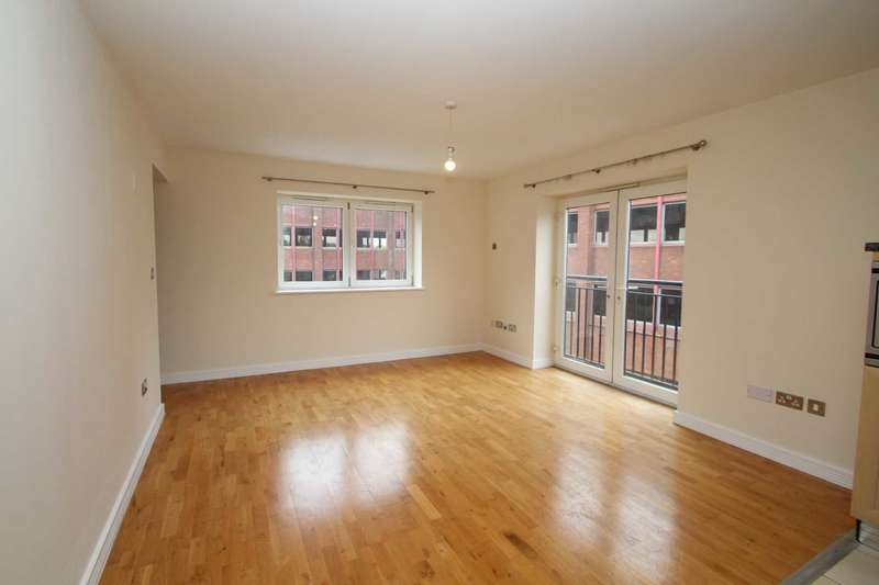 2 Bedrooms Apartment Flat for rent in Town Centre