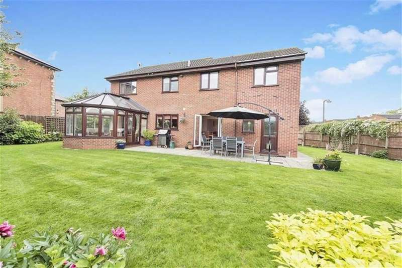5 Bedrooms Detached House for sale in Homewood, Newstead Drive, Southam, Warwickshire, CV47
