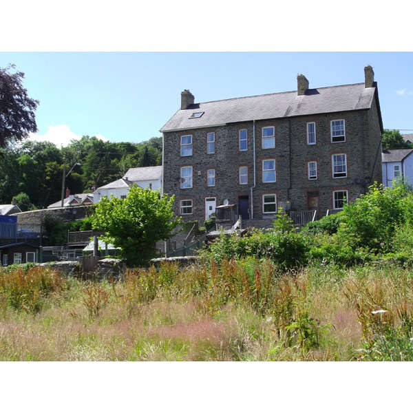 3 Bedrooms Town House for sale in New Road, Llandysul, Ceredigion, West Wales SA44