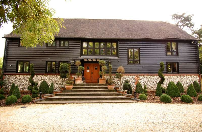 5 Bedrooms Barn Conversion Character Property for sale in Bowstridge Lane, Chalfont St Giles, HP8