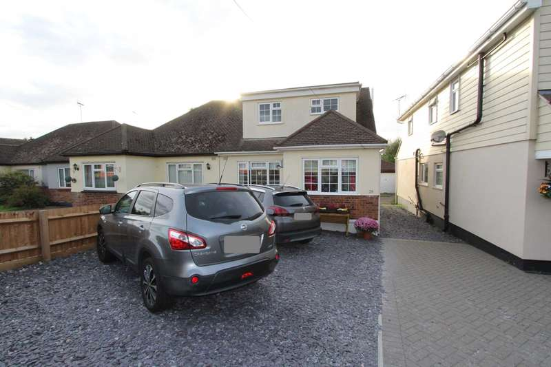 4 Bedrooms Semi Detached House for sale in Ferry Road, Hullbridge