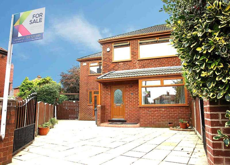 3 Bedrooms Semi Detached House for sale in 9 Oriel Close, Chadderton