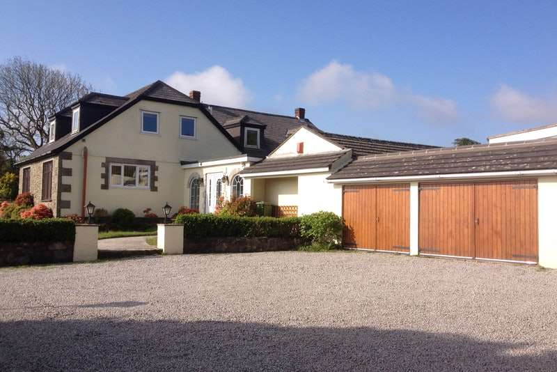 6 Bedrooms Detached House for sale in Helston, Helston, Cornwall, TR13