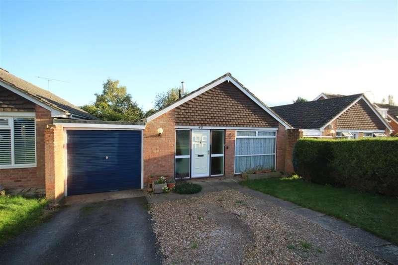 2 Bedrooms Bungalow for sale in Fidlers Walk, Wargrave, RG10