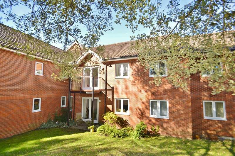2 Bedrooms Flat for sale in Bursledon