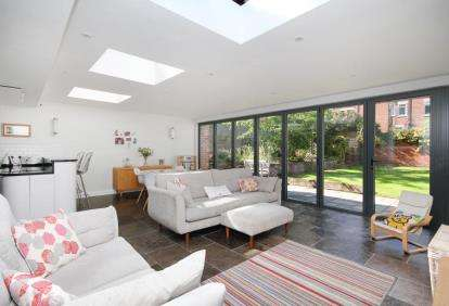 4 Bedrooms Detached House for sale in Lismore Road, Sheffield, South Yorkshire