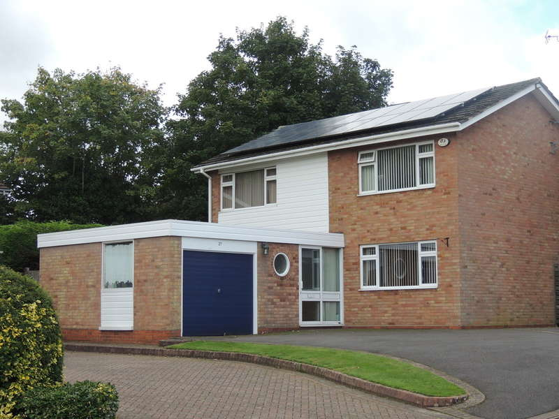 4 Bedrooms Detached House for sale in Weston Close, Dorridge, Solihull