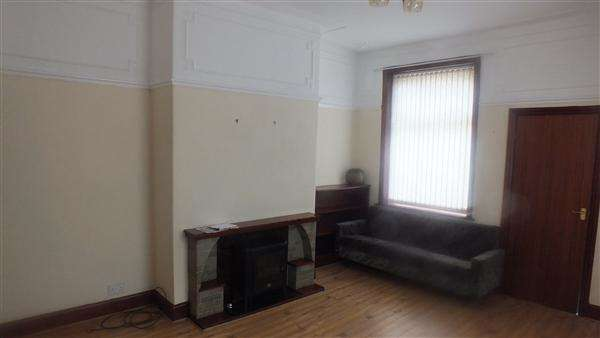 4 Bedrooms Terraced House for rent in Leeds Road, Nelson