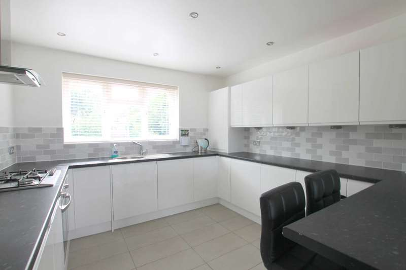 2 Bedrooms Maisonette Flat for sale in Ashfield Avenue, Bushey