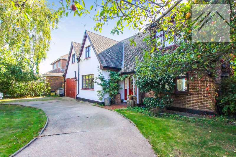 5 Bedrooms Detached House for sale in Cleveland Road, Canvey Island - The kind of home that dreams are made of