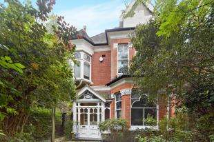 6 Bedrooms Detached House for sale in Cheam Road, Sutton, Surrey, Greater London