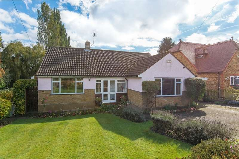 3 Bedrooms Detached Bungalow for sale in Springwell Lane, Harefield, Middlesex