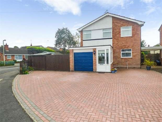 4 Bedrooms Detached House for sale in Windsor Drive, Market Drayton, Shropshire