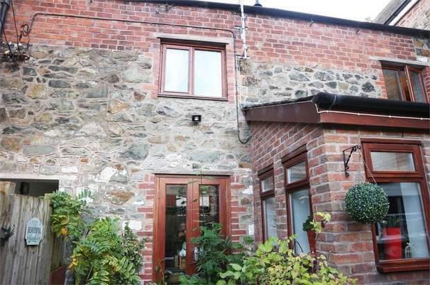 3 Bedrooms Terraced House for sale in Mount Street, Welshpool, Shropshire
