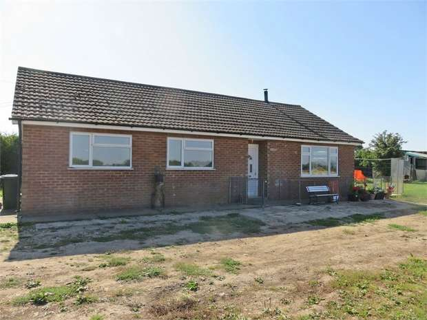 4 Bedrooms Detached Bungalow for sale in Dowdyke, Sutterton, Boston, Lincolnshire