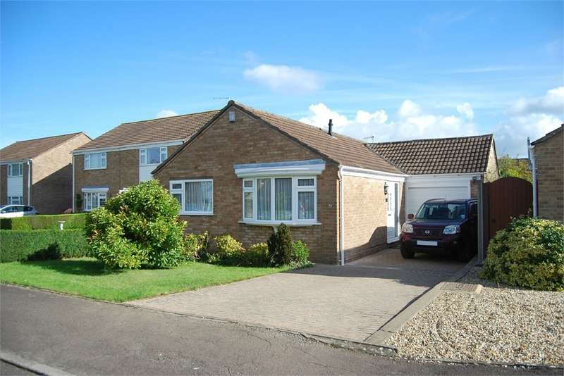 2 Bedrooms Detached Bungalow for rent in Dozule Close, Leonard Stanley, Gloucestershire