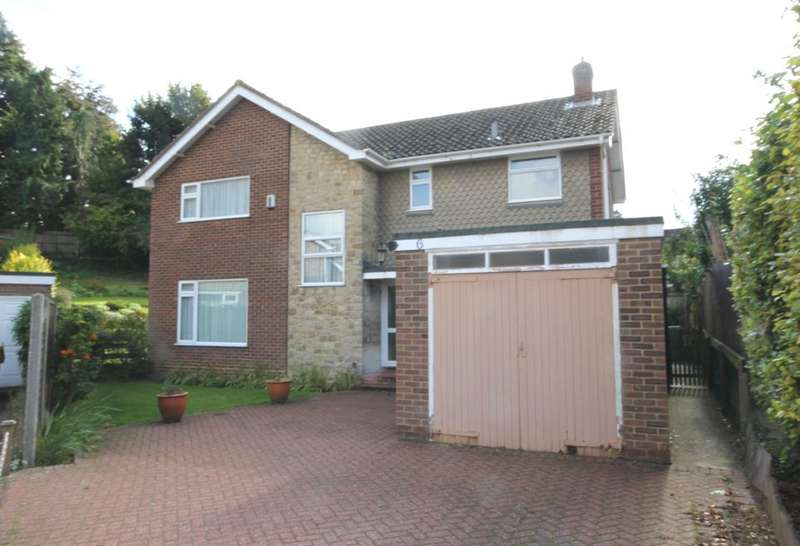 4 Bedrooms Detached House for sale in OFF QUEENS AVENUE