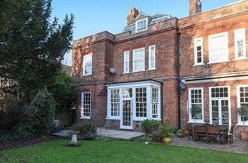 3 Bedrooms Flat for sale in St Pauls Cray Road, Royal Parade, Chislehurst, Kent, BR7 6QF