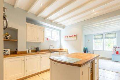 6 Bedrooms Detached House for sale in Ebers Road, Nottingham, Nottinghamshire