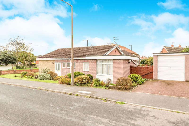 3 Bedrooms Detached Bungalow for sale in The Wickets Whiphill Top Lane, Branton, Doncaster, DN3