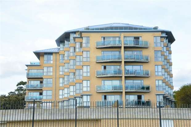 4 Bedrooms Flat for sale in Needles Point, Manor Road, East Cliff