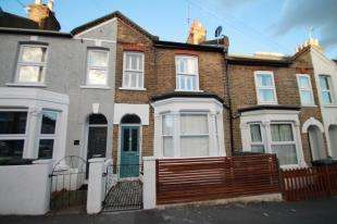 3 Bedrooms Terraced House for sale in Larkbere Road, Sydenham, London, .