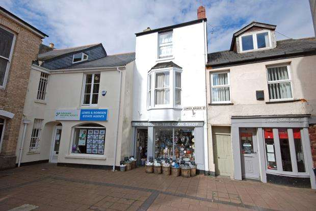 2 Bedrooms Commercial Property for sale in Lower Brook Street, Teignmouth, Devon