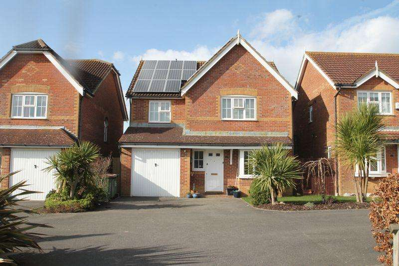 4 Bedrooms Detached House for sale in Hawkinge