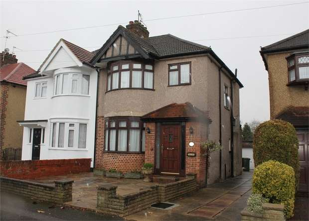 3 Bedrooms Semi Detached House for sale in Pembroke Avenue, Harrow, Middlesex