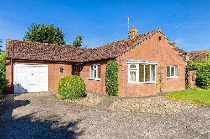 3 Bedrooms Detached Bungalow for sale in Chapel Lane, Belchford