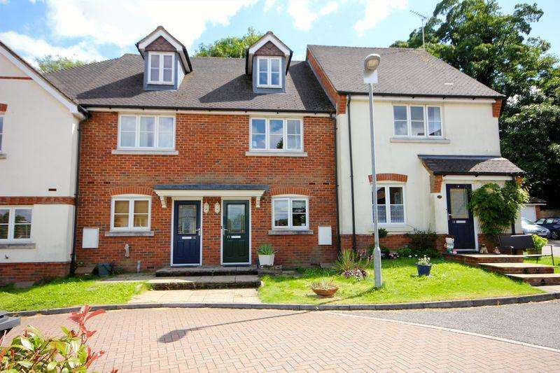 3 Bedrooms Town House for sale in Bartholomew Green, Markyate *** NO UPPER CHAIN ***