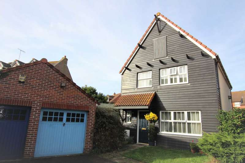 3 Bedrooms Detached House for sale in Madeira Way, Eastbourne, BN23 5UG