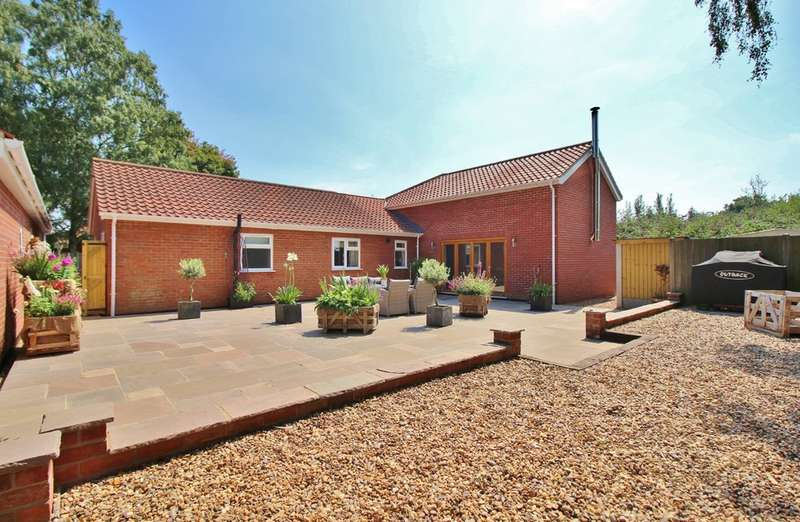 6 Bedrooms Detached Bungalow for sale in Waldemar Avenue, Norwich