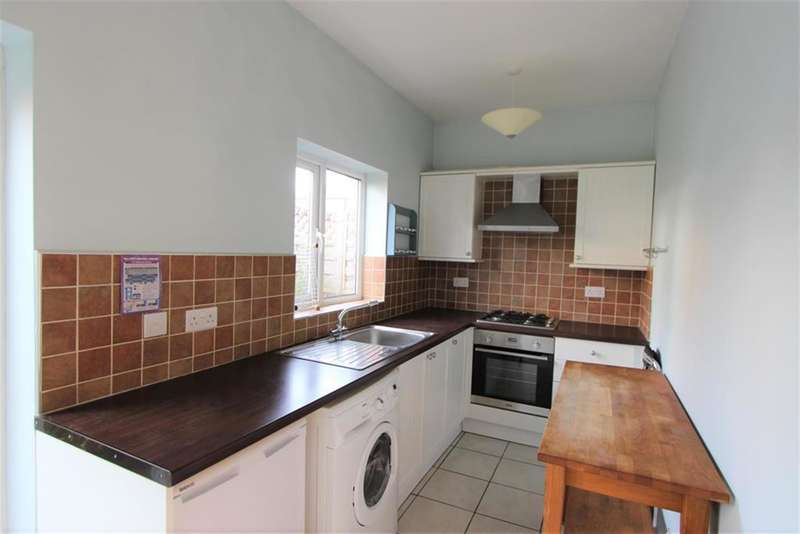 3 Bedrooms Detached House for rent in Rosedale Gardens, Sheffield, S11 8QB