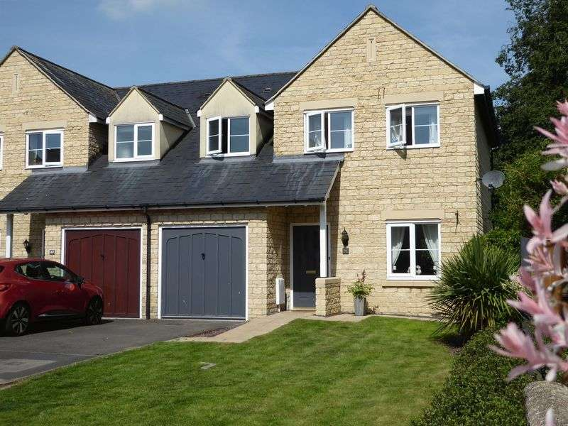 3 Bedrooms Property for sale in Sherwood Close, Launton