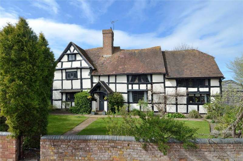 5 Bedrooms Detached House for sale in Stock Green, Worcestershire