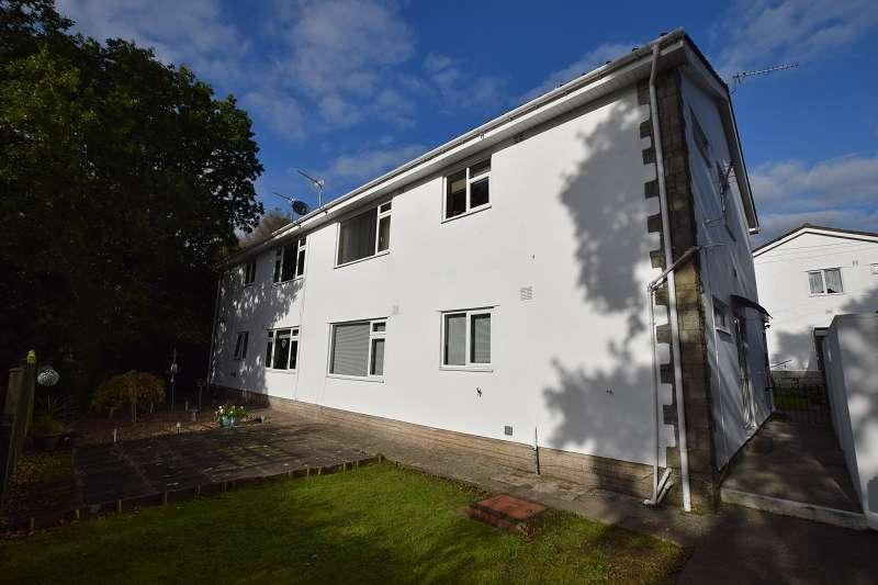 2 Bedrooms Maisonette Flat for sale in Mur Gwyn , Rhiwbina, Cardiff. CF14 6NR