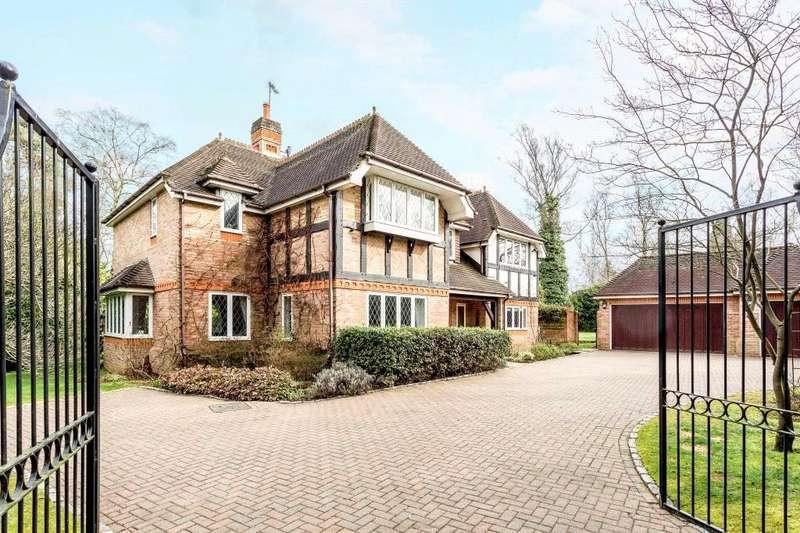 5 Bedrooms Detached House for sale in Badgers Hill, Virginia Water, Surrey, GU25
