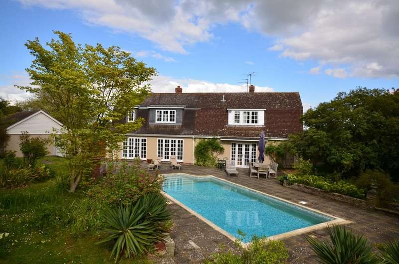 5 Bedrooms Detached House for sale in Old Road, Feering