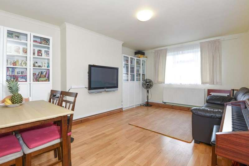 2 Bedrooms Flat for sale in Bushey Road, Raynes Park