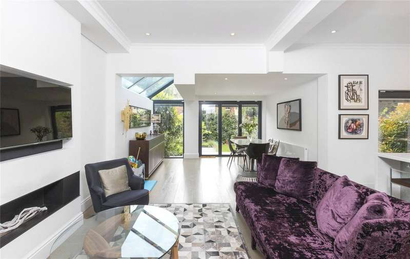 4 Bedrooms Flat for sale in Stile Hall Gardens, Chiswick, London
