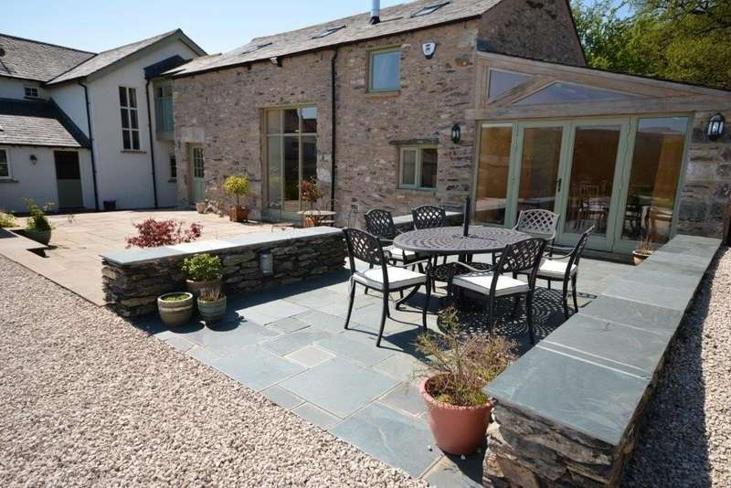 4 Bedrooms Semi Detached House for sale in Garret House, Cartmel, Grange-over-Sands, Cumbria, LA11 7SR