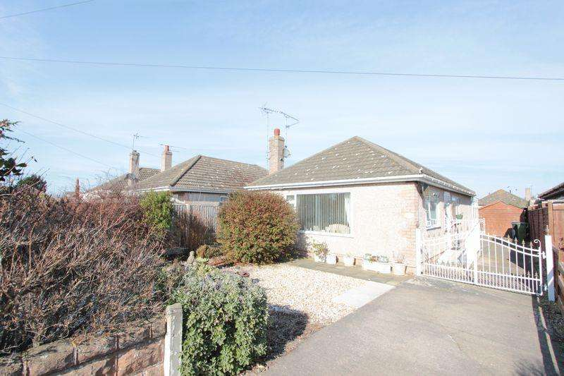 2 Bedrooms Detached Bungalow for sale in Ffordd Penrhwylfa, Prestatyn