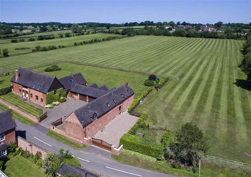 4 Bedrooms Barn Conversion Character Property for sale in Horsebrook Manor Barn, Horsebrook Farm Lane, Brewood, Stafford, South Staffordshire, ST19