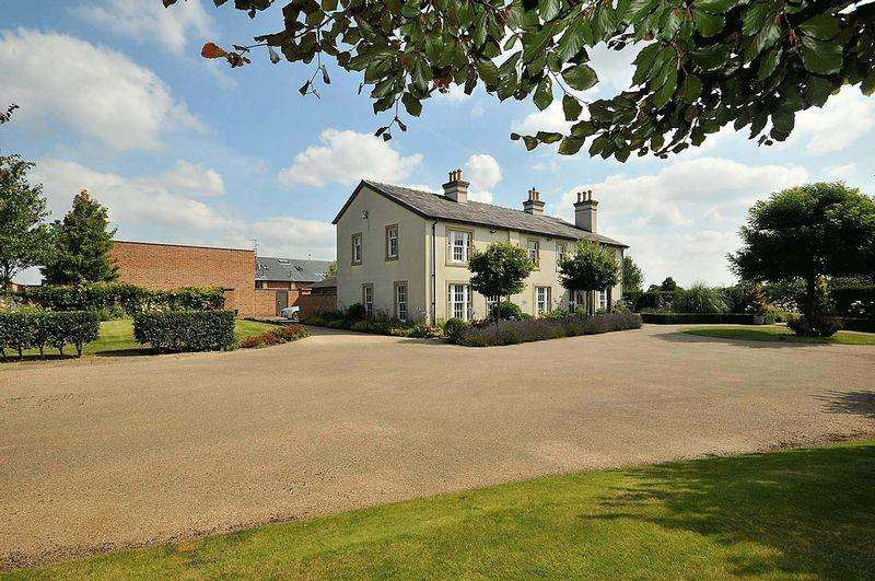 5 Bedrooms Country House Character Property for sale in Golborne Lane, High Legh