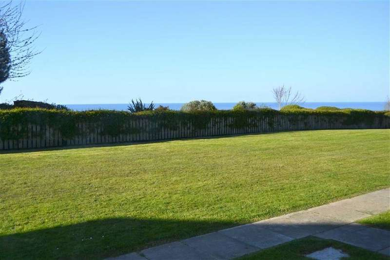 2 Bedrooms Flat for sale in Morfa Gwyn, New Quay, Ceredigion