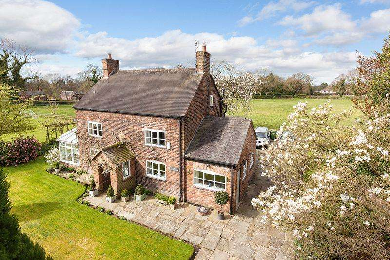 4 Bedrooms Detached House for sale in Broome Lane, Lower Peover