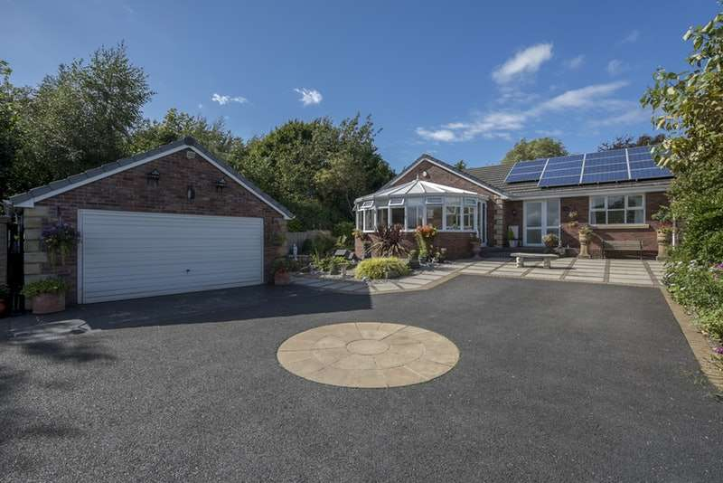 3 Bedrooms Bungalow for sale in 4A Shaws Garth, Shirdley Hill, Ormskirk, Lancashire, L39