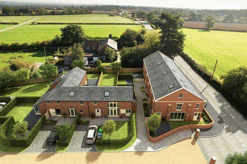 3 Bedrooms Terraced House for sale in Pear Tree Farm, Marthall